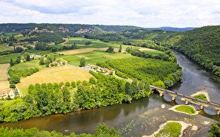 法國度假勝地——韋澤爾河谷(二)