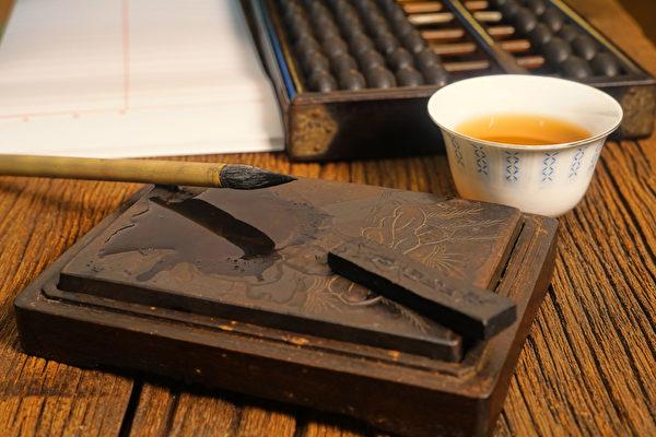 中國古代漢字與中國古代文化一脈相承,博大精深。測字是運用漢字獨特的結構形體,增減筆畫、拆合拼配預測吉凶禍福的神奇測字術。(Fotolia)
