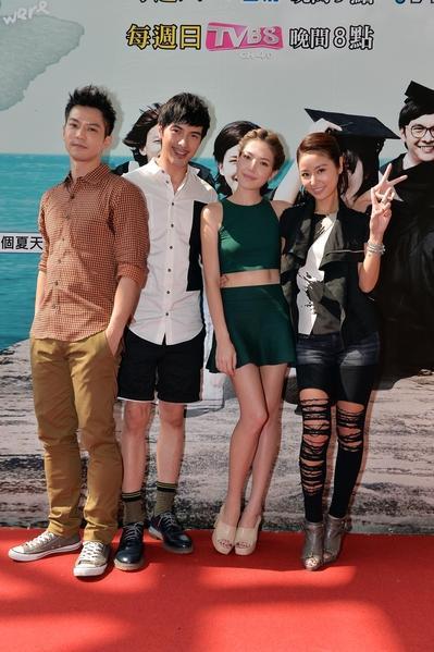 演員鄒承恩(左)、謝佳見、許瑋甯、林心如。(TVBS提供)
