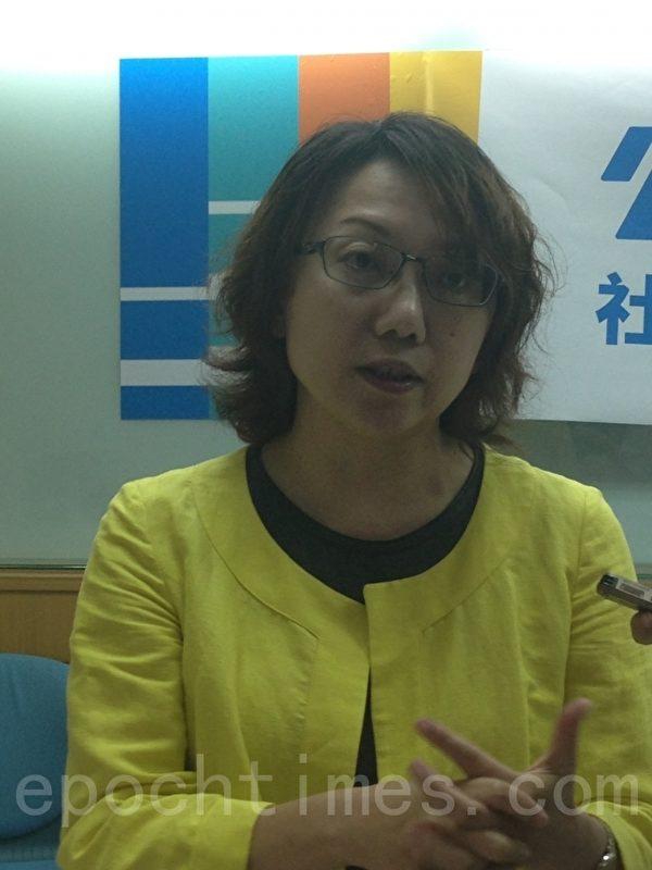 公民组合理事长范云说,未来要扩大公民参政,改变从总统到国会,选上之后就无法被监督的困境,面对中共挑战时,更应采深化台湾民主的方法。(江禹婵/大纪元)