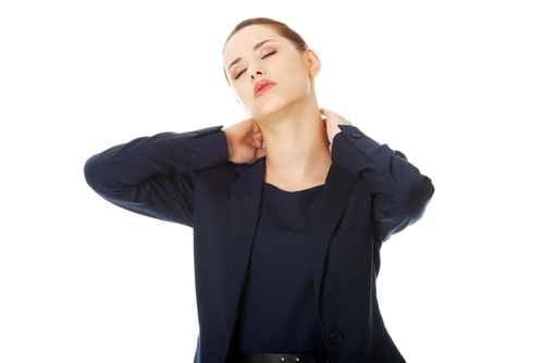 對每天對著電腦的上班族、研究人員來說,頸椎病實在讓人煩惱。(fotolia)