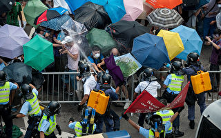 香港的雨伞革命是一场颜色革命吗?