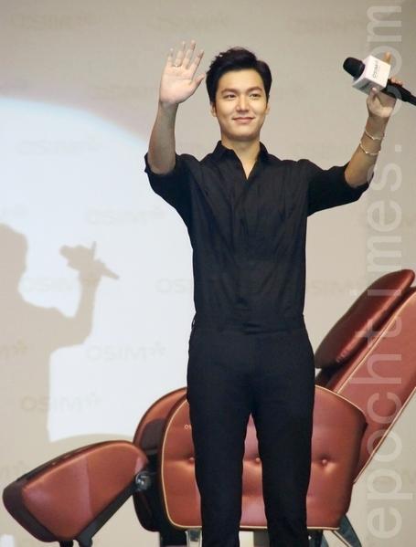 李敏鎬於週日(28日)旋風式來到馬來西亞吉隆坡進行代言宣傳活動。(徐長樂/大紀元)