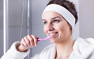 單用牙刷還不夠 牙醫們教你如何正確潔牙