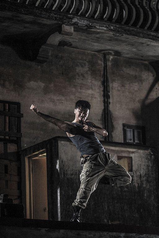王宝强为了演出此角色,展开训练,每天锻炼肌肉。(华映提供)