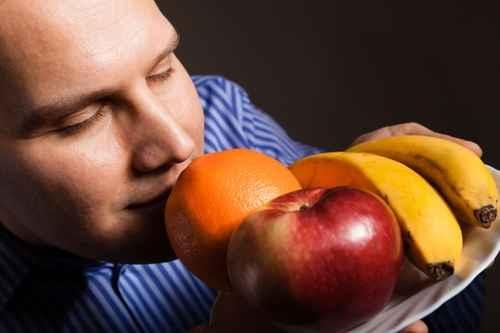 紐約醫生染疫失嗅覺 康復後只能聞到臭味