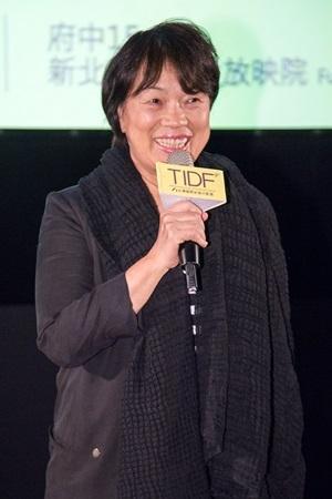 第九屆「台灣國際紀錄片影展」9日晚間在臺北市光點華山電影館舉辦開幕酒會,中華民國文化部部長龍應台特別出席開幕典禮。(TIDF提供)