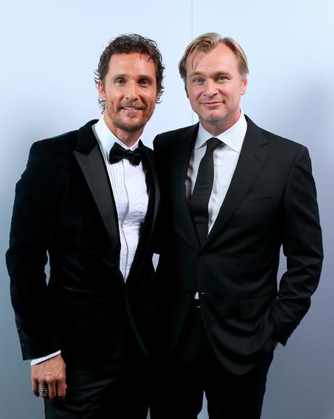 马修•麦康纳(左)与《星际穿越》(又译:星际效应)导演克里斯托弗•诺兰。(Mark Davis/Getty Images for American Cinematheque)