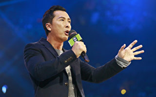 甄子丹加國為2萬人演講 眾位巨星同登場