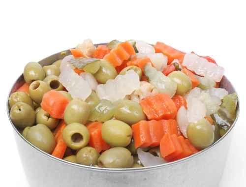 在沙拉裏增加10顆橄欖,就可以吃進大約5克脂肪,其中3.5克是單不飽和脂肪,0.4克是多不飽和脂肪。(fotolia)