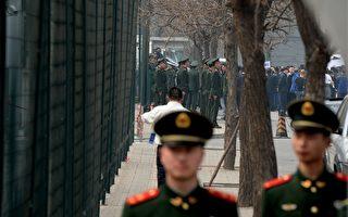 胡錦濤十八大決定讓習近平防止江澤民兵變