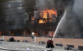 墨學生疑遭屠殺 群眾燒州議會