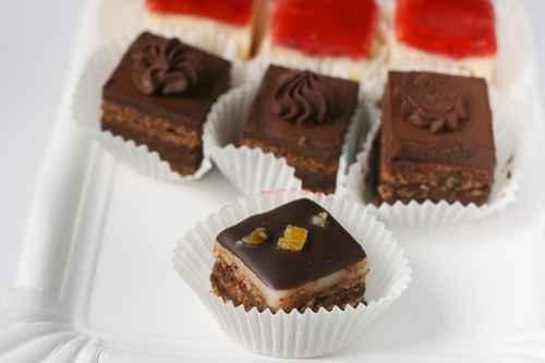 加工的糕点有太多的防腐剂、过多的化学品。(fotolia)