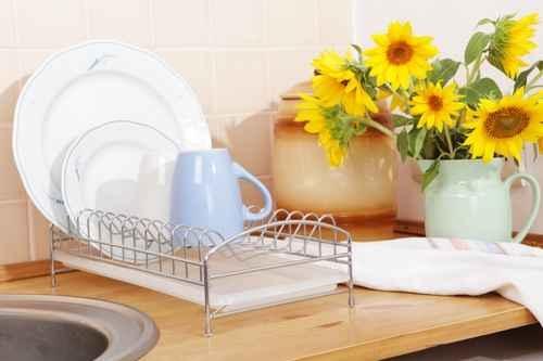 廚房内的毛巾,如果使用不當,更容易造成交叉感染。(fotolia)