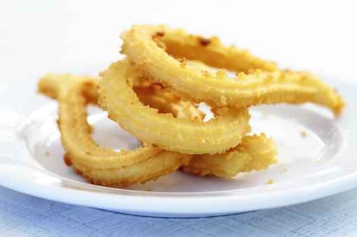 吉拿棒,又称吉拿果,外面酥脆,里面软嫩,中间为网格状,不油腻,颜色金黄,冷热皆宜。(fotolia)