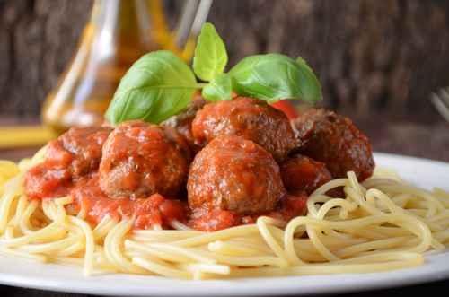 真正的意大利肉丸是一道菜,或做汤。(fotolia)