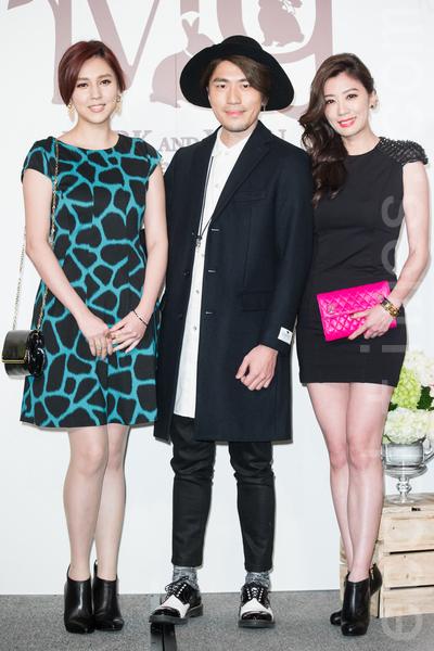 金钟影帝赵又廷和大陆女星高圆圆11月28日在台北举办婚礼,艺人朱芯仪(左起)、卫斯理、贾静雯出席祝贺。(陈柏州/大纪元)