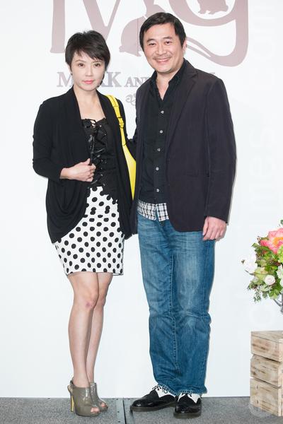 金钟影帝赵又廷和大陆女星高圆圆11月28日在台北举办婚礼,艺人汤志伟夫妻出席祝贺。(陈柏州/大纪元)