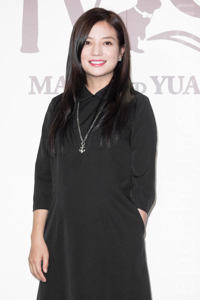 金钟影帝赵又廷和大陆女星高圆圆11月28日在台北举办婚礼,艺人赵薇出席祝贺。(陈柏州/大纪元)