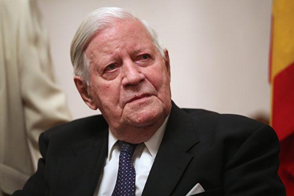 德前总理:政治生涯严重损害了其健康