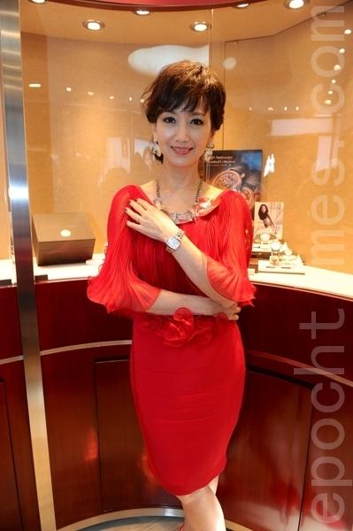 在演藝界數十年不老的趙雅芝,分享保持美麗的心得。(宋祥龍/大紀元)