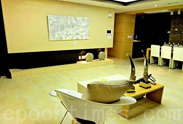 智能家居可以對家中的燈光、門鎖、空調、攝影鏡頭、插座開關等各種聯網設備進行操控。(大紀元資料庫)