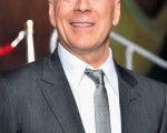 好萊塢巨星布魯斯•威利斯(Bruce Willis)曾幫俄國的信託銀行(Trust Bank)代言廣告,但該銀行卻因瀕臨破產於12月22日被俄國央行紓困300億盧布。(Alberto E. Rodriguez/Getty Images)