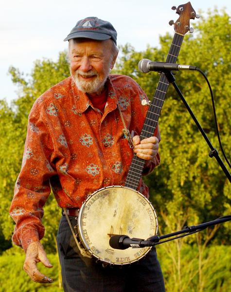 """被誉为""""美国现代民歌之父""""的皮特•西格于1月27日去世,享年94岁。(Astrid Stawiarz/Getty Images)"""