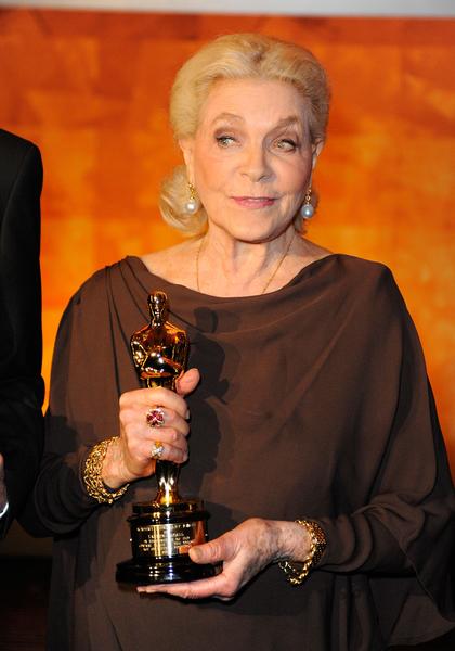 好莱坞老牌女星、亨弗莱‧鲍嘉之妻劳伦‧白考尔8月12日过世,享年89岁。(Kevork Djansezian/Getty Images)