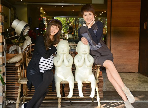 范瑋琪與師妹曾沛慈約喝下午茶。(福茂唱片提供)