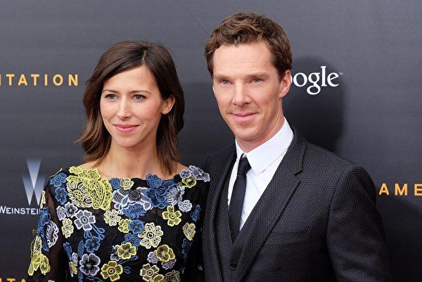 康伯巴奇與未婚妻索菲•亨特。(JEWEL SAMAD/AFP/Getty Images)