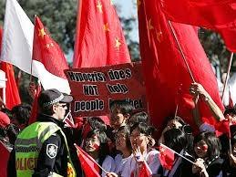 凌曉輝:中共用「愛國」愚弄華人