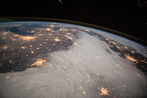 12月7日拍攝到的美國大湖地區和美國中部。(NASA/AFP)
