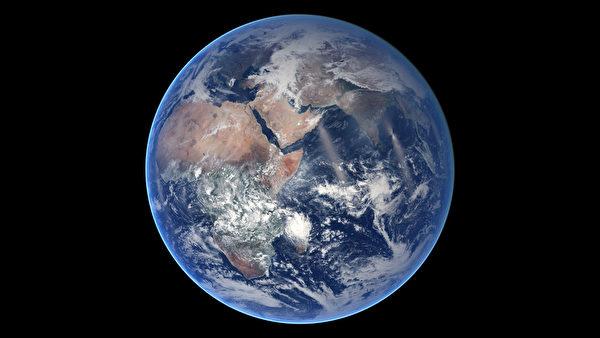 1月18日至7月25日的延時照片描繪出的東半球。(NASA/AFP)
