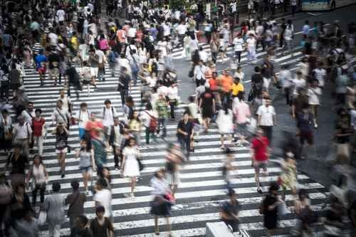 在日本,獲得永久居民簽證,比獲得公民身份需要更長時間,必須在日本連續居住10年以上。圖為東京。(fotolia)