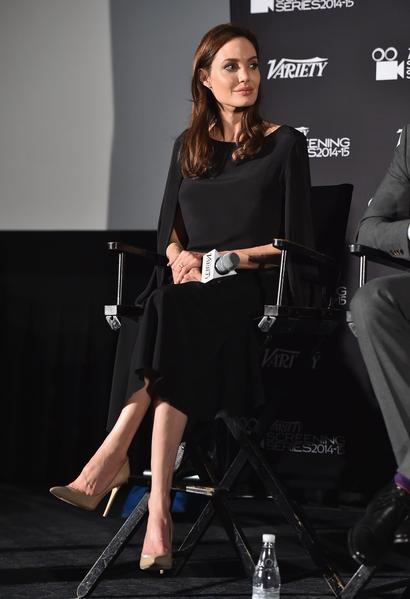 2014年12月9日,制作人安吉丽娜‧朱莉出席《绑架式婚姻》亮相《综艺》杂志特别展映会。(Alberto E. Rodriguez/Getty Images)