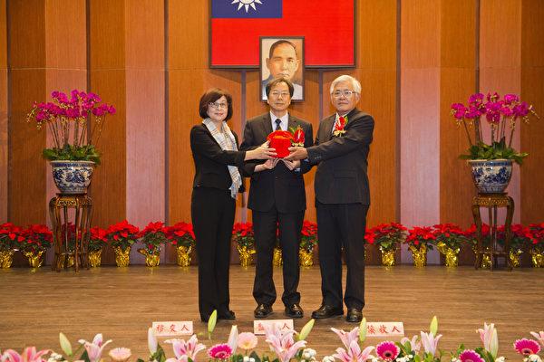 云林县第17届县长新旧交接典礼25日在县府大礼堂举行。(云林县府提供)
