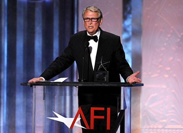 曾执导《毕业生》的美国最著名导演之一迈克‧尼科尔斯于11月20日辞世,享年83岁。(Kevin Winter/Getty Images for AFI)