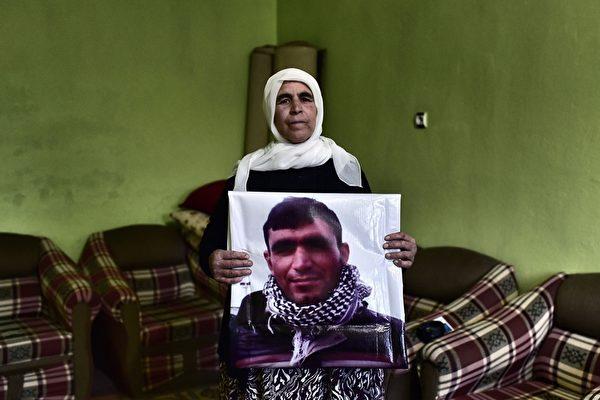 """残忍无道 ISIS处决至少120名""""自己人"""""""