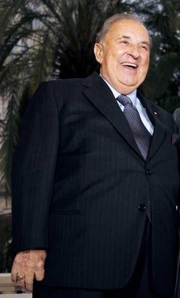 """意大利男高音歌唱家、歌剧教育家、被誉为""""世界十大男高音""""之一的卡洛‧贝尔岗齐7月25日以90岁高龄谢世。(VALERY HACHE/AFP/Getty Images)"""