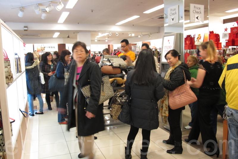 中國人赴美旅遊數量大減 原因何在