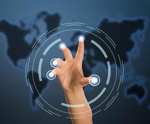 企业的用户界面目前仍远远落后,一些在智能手机常见的动作(如:用手指放大、缩小、滑动或是语音命令等),仍未被企业的用户界面所广泛运用。(Fotolia)