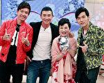 日前小燕姐(右二)邀请(右起)周杰伦、刘畊宏和小钟一同至节目录影,兄弟三人大聊音乐和家庭。(中天提供)