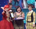 锺欣凌在《女王的密室》连闯10关得奖。(台视提供)