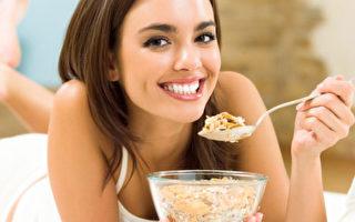 眼下長皺紋可能是脾腎虛 喝這碗粥有效!