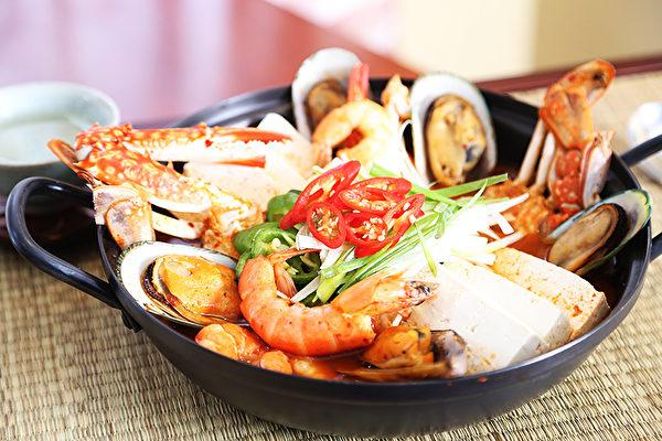 圖:海鮮火鍋。(謝凌/大紀元)