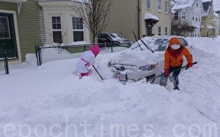 组图:暴风雪中的波士顿街景