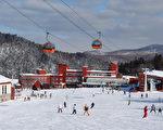 但在冬季,大约有一半的中国游客更喜欢去北海道。图为札幌一家滑雪场。(fotolia)