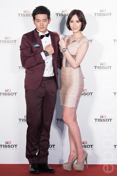 藝人宥勝(左)、魏蔓(右)2月26日在台北出席新品發表活動,看到宥勝當爸,魏蔓也聊起自己的擇偶條件。(陳柏州/大紀元)