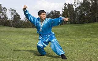武術大賽評委會主席、知名武術大師、中醫博士李有甫先生。(大紀元)